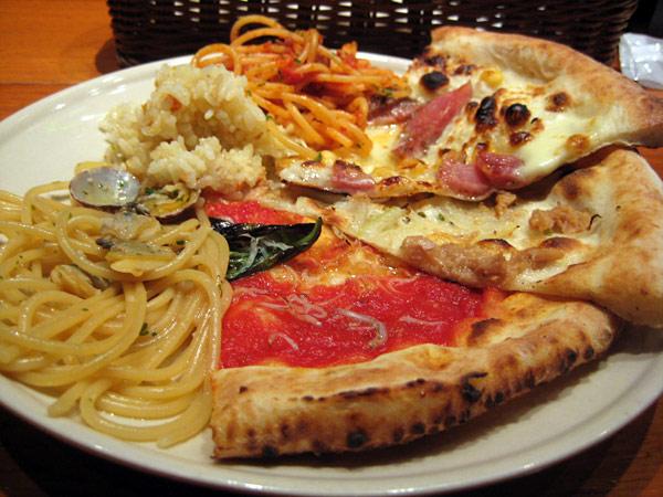 サルバトーレクオモ熊本@ランチ1000円でピザ・パスタ等食べ放題!下通り