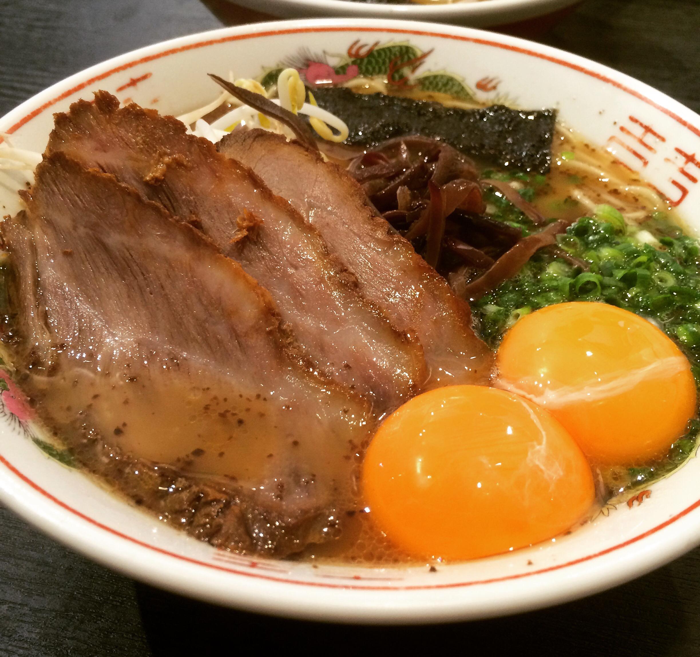 【黒亭ラーメン】熊本駅近く「まずい?」「美味しい?」行列必死!熊本ラーメン