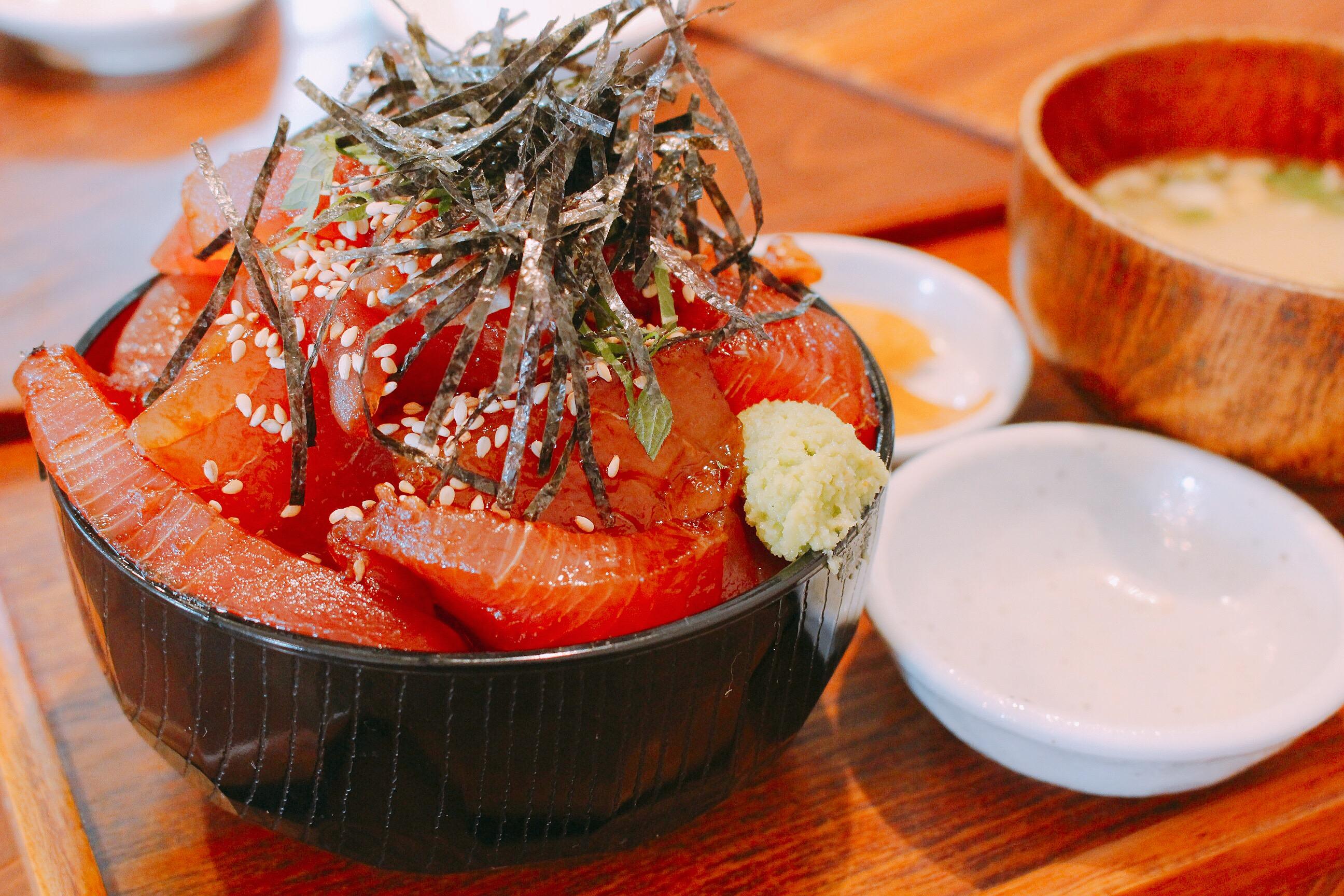 【とろや】熊本でマグロ丼大盛り!ボリューム凄っ@メニュー