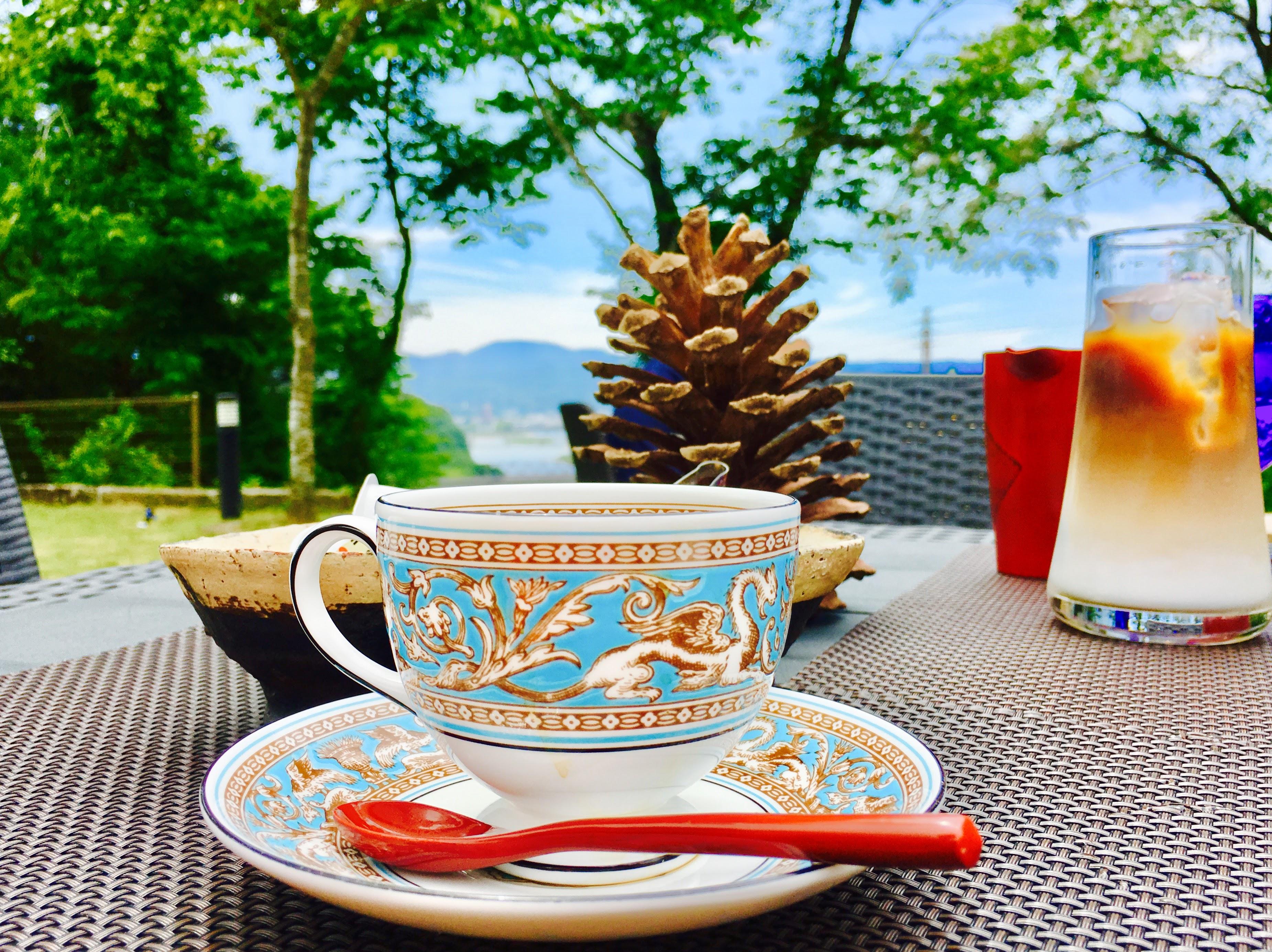 【Kura-倉Cafe (クラくらカフェ)】人吉・球磨川を見下ろしながら贅沢なティータイムを