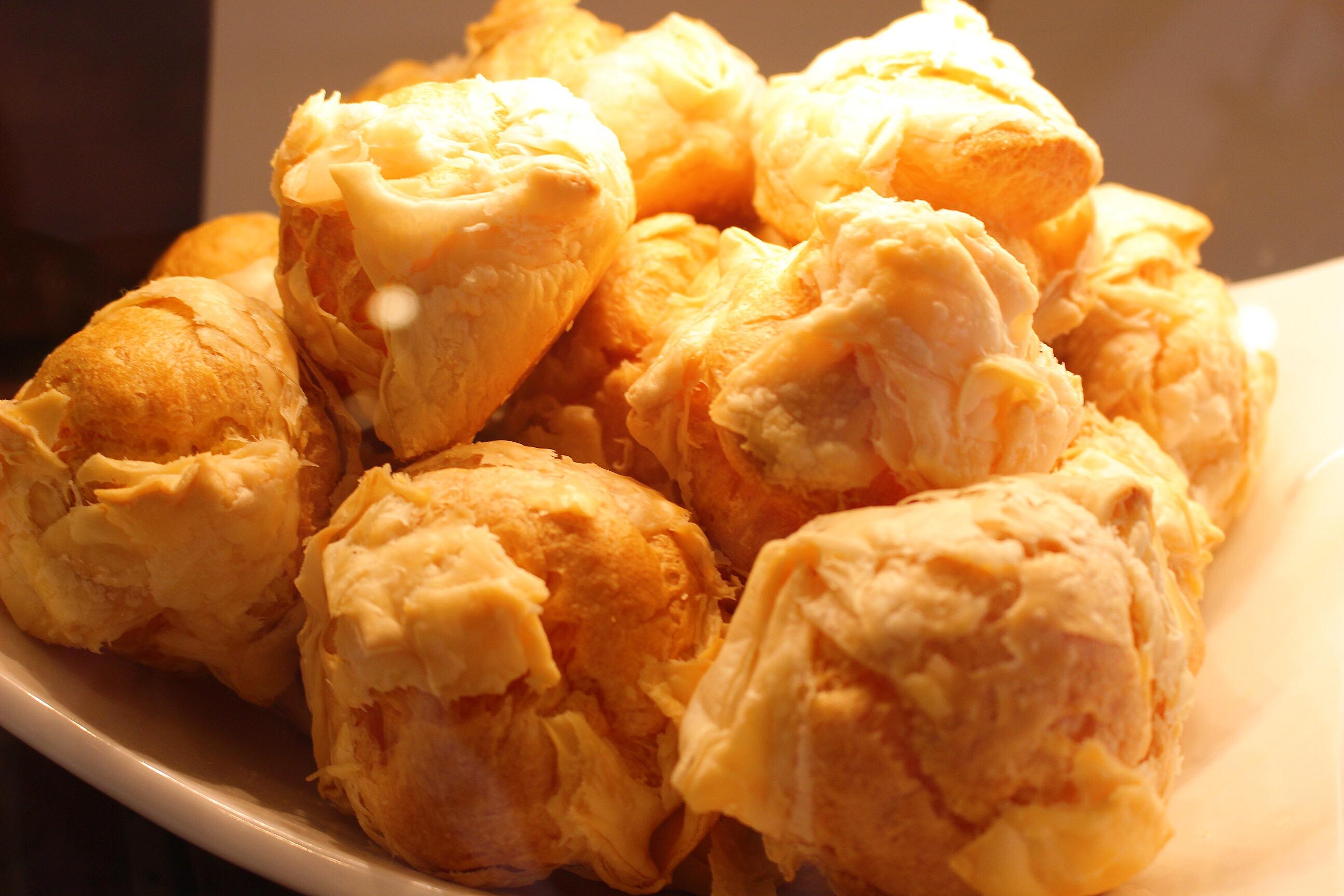 【乳菓子屋】熊本、水前寺!パリッと新食感なシュークリームがウマい