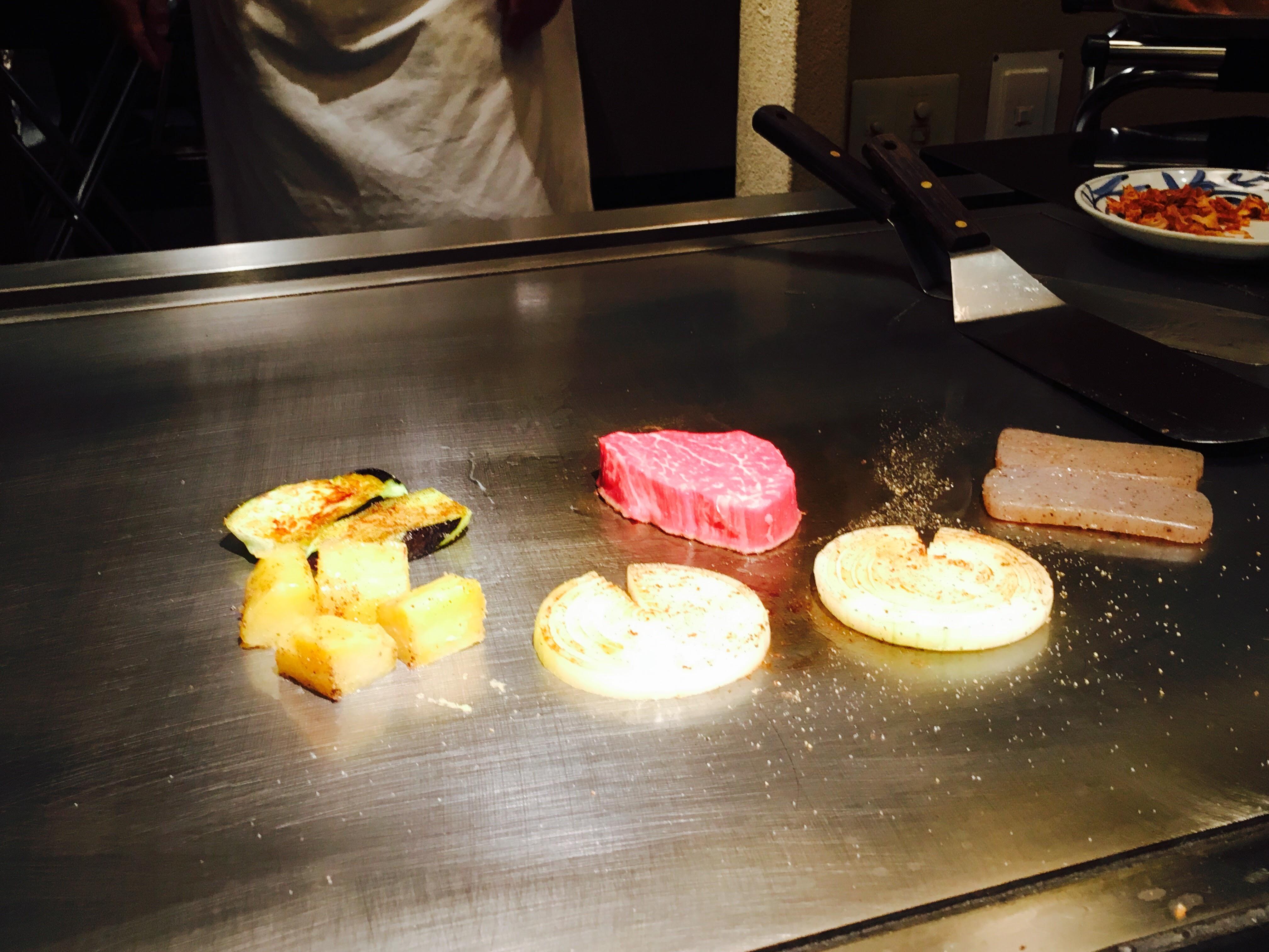 【薔薇亭】熊本、大人気ワンピースの漫画家も愛した老舗のステーキ店