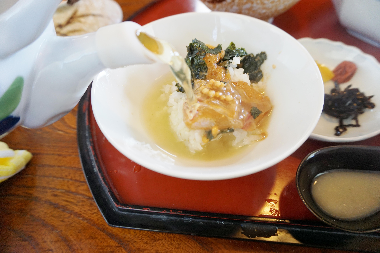 【大番】三角で絶品の鯛茶漬けと海鮮丼が食べられるお店