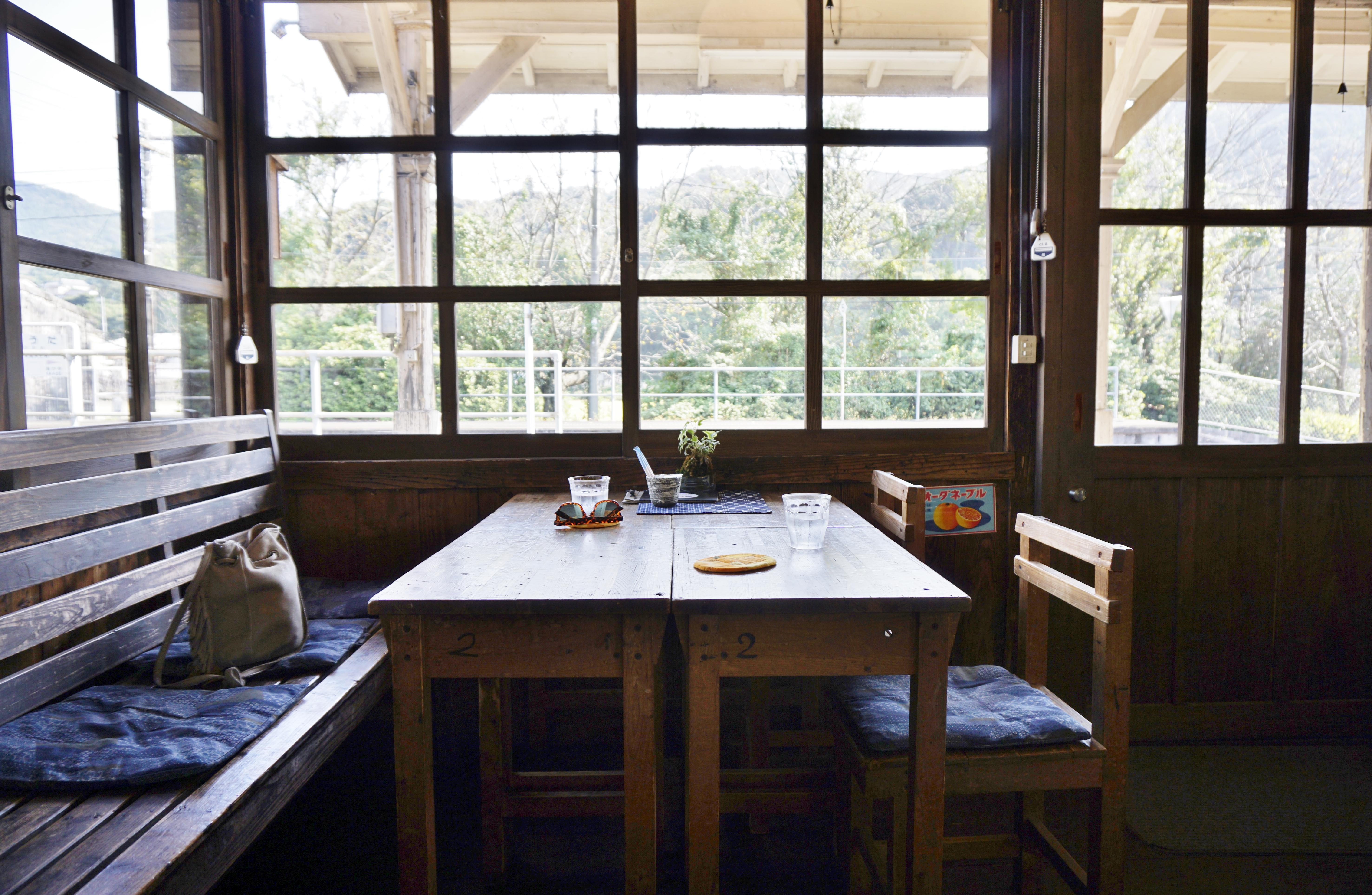 【網田レトロ館】宇土の県内最古・木造駅舎で電車を見ながらコーヒーが飲める駅カフェ