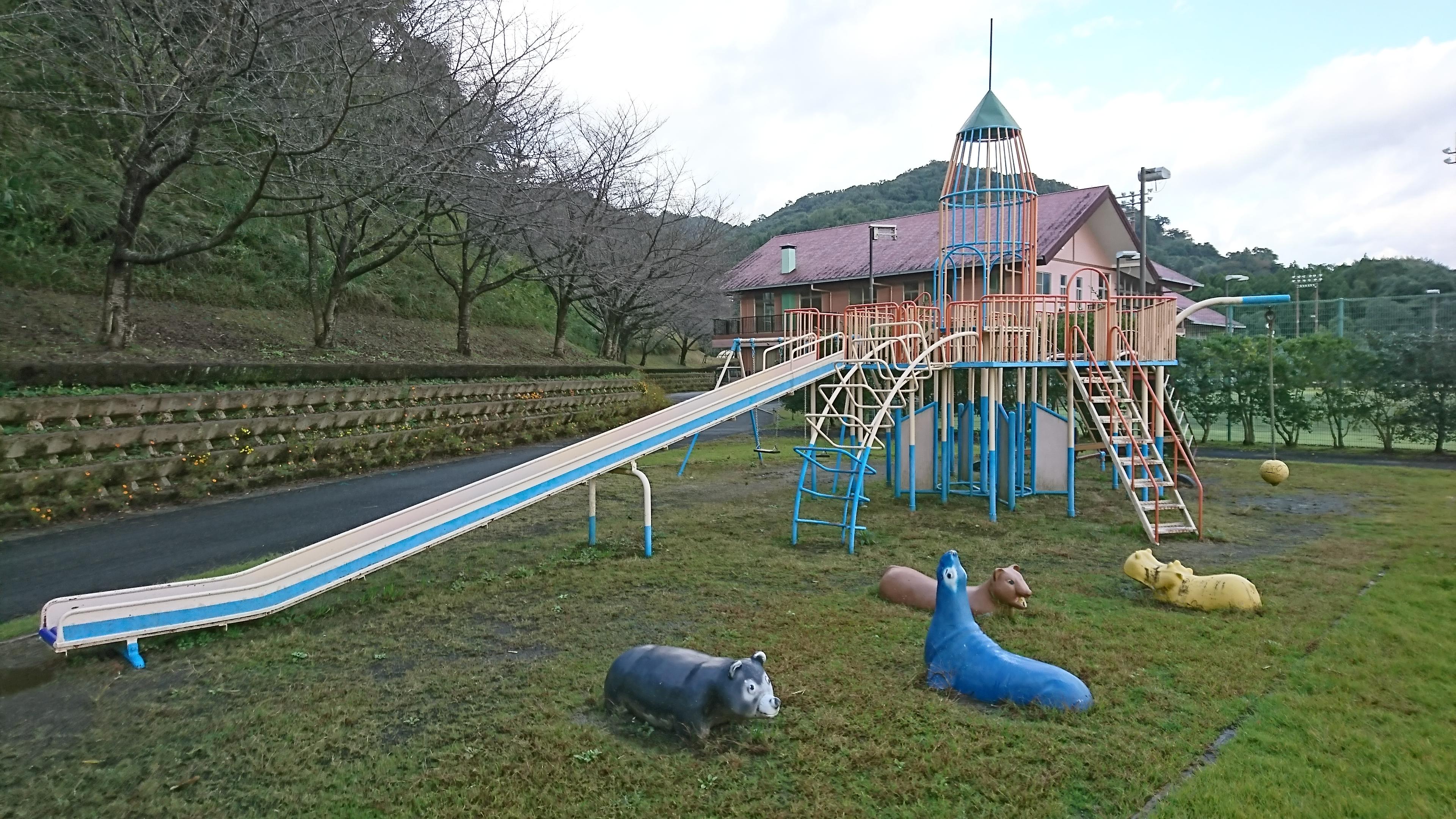 【観音山総合公園】宇城市小川町、テニスコートや遊具があるスポット