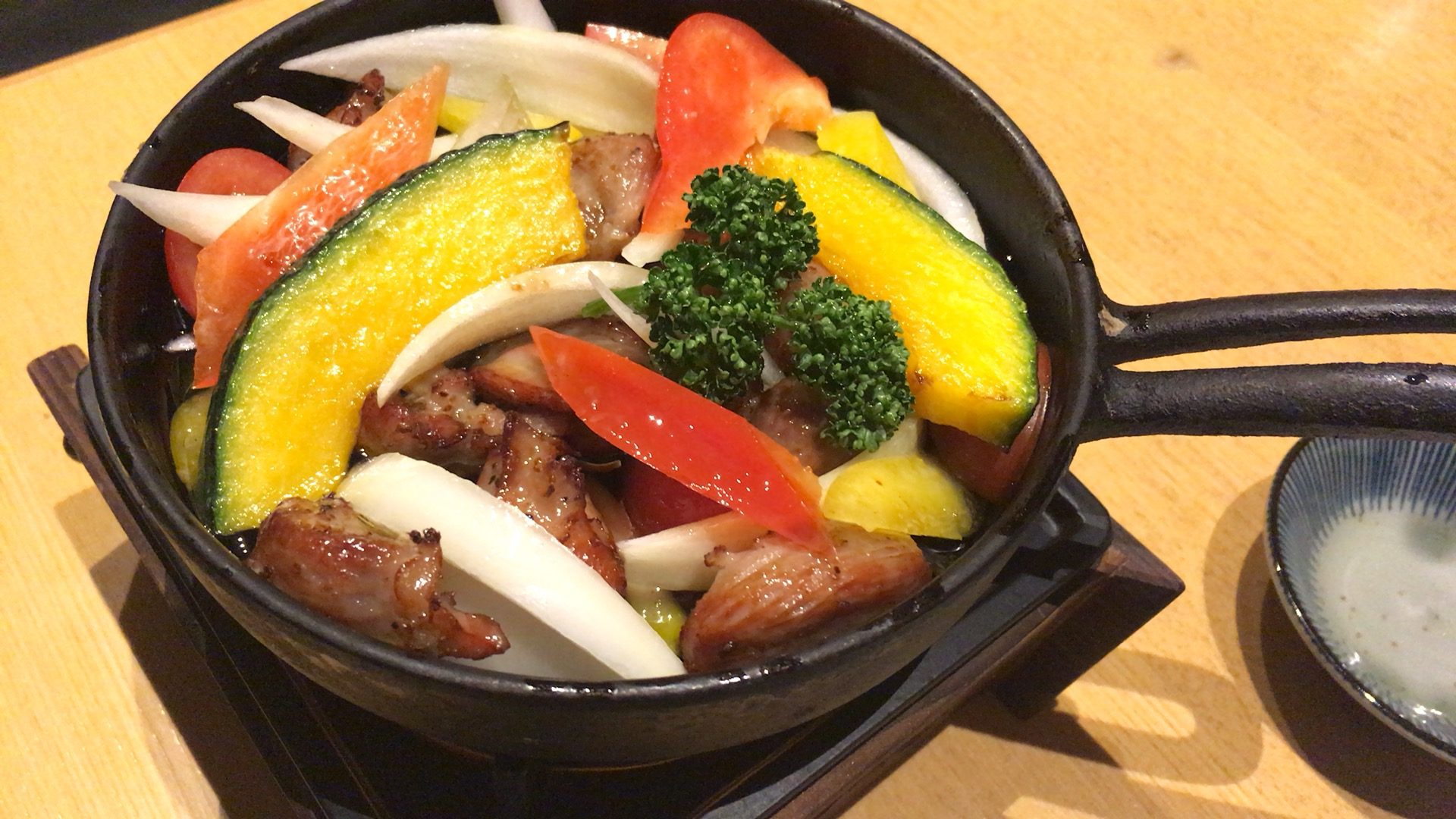 【十徳や】熊本!新外の居酒屋。多彩な料理を個室空間で頂けます!