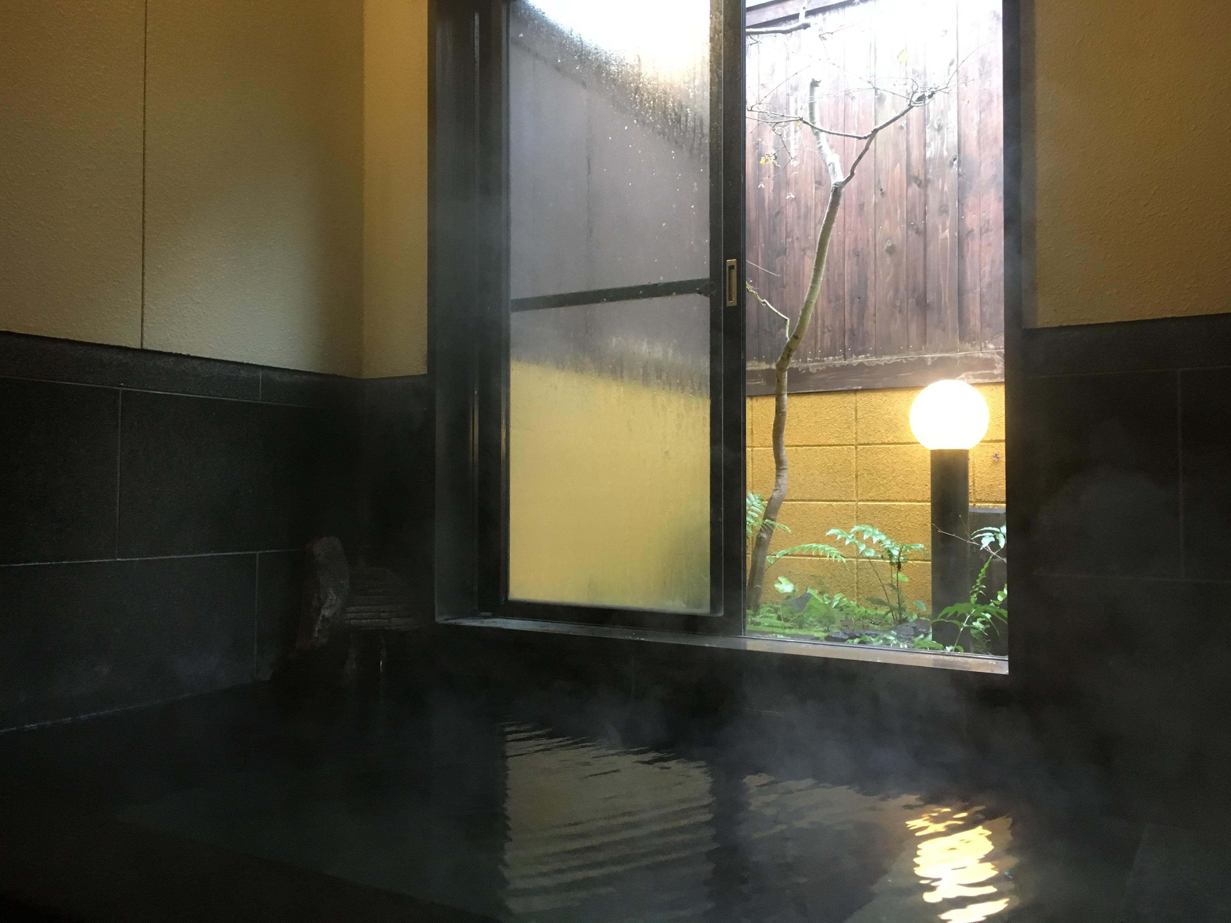 【藤の瀬】植木温泉・お庭を眺めながらのんびりできる源泉かけ流しの家族風呂