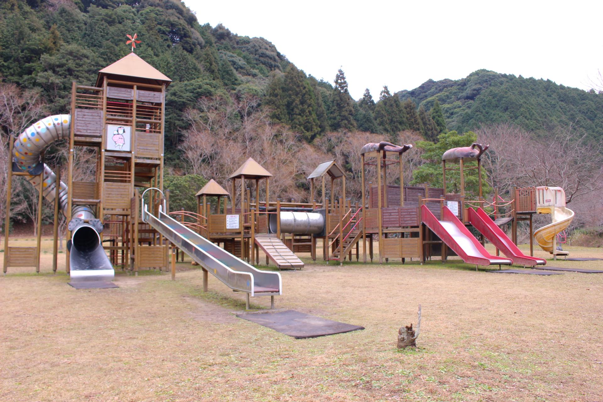 【福連木子守唄公園】天草キャンプ場!遊具で遊んできた